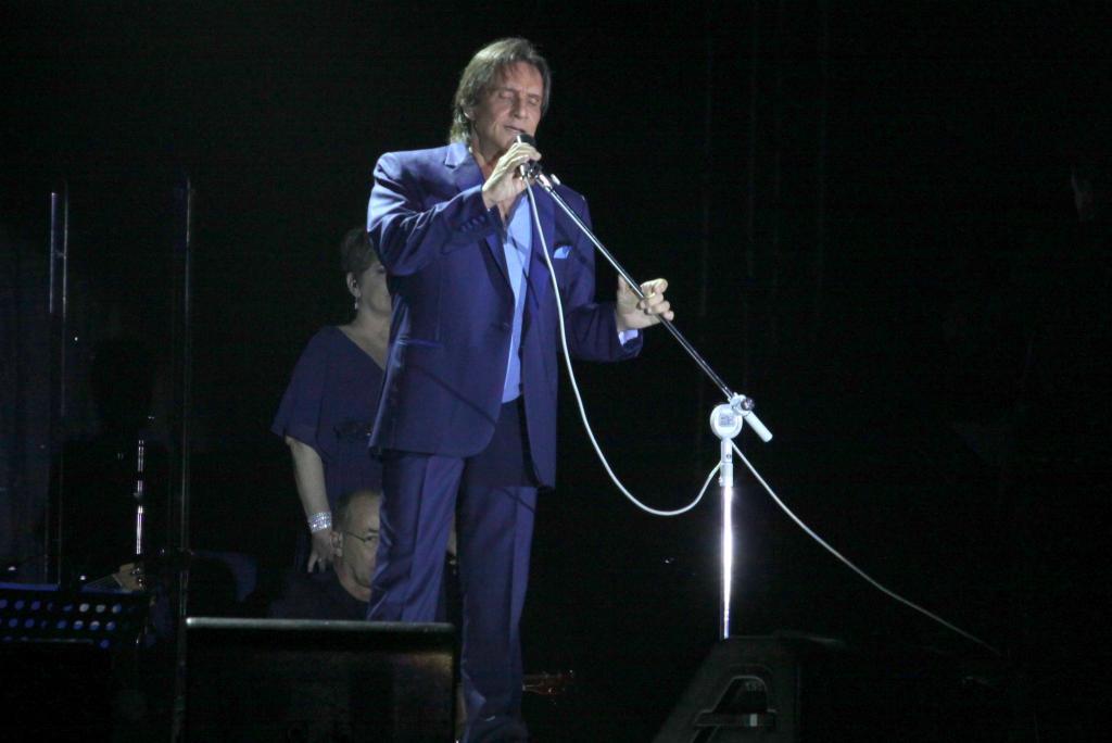 Roberto Carlos e Jota Quest são premiados no Grammy Latino; Caetano leva como melhor álbum de compositor