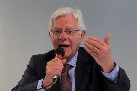 Moreira Franco é nome próximo ao vice-presidente da República e presidente do PMDB, Michel Temer
