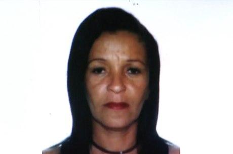 Jacira do Carmo, de 46 anos, está foragida