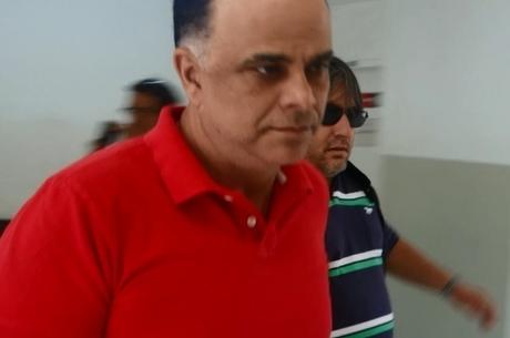 Marcos Valério tem câncer e um dos punhos quebrados