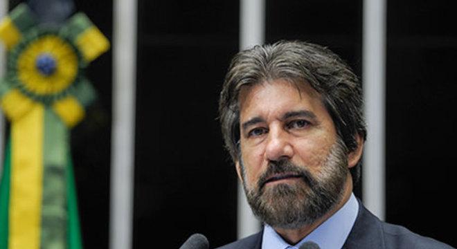 O ex-senador Valdir Raupp (PMDB-RO), que foi condenado a 7 anos  por corrupção