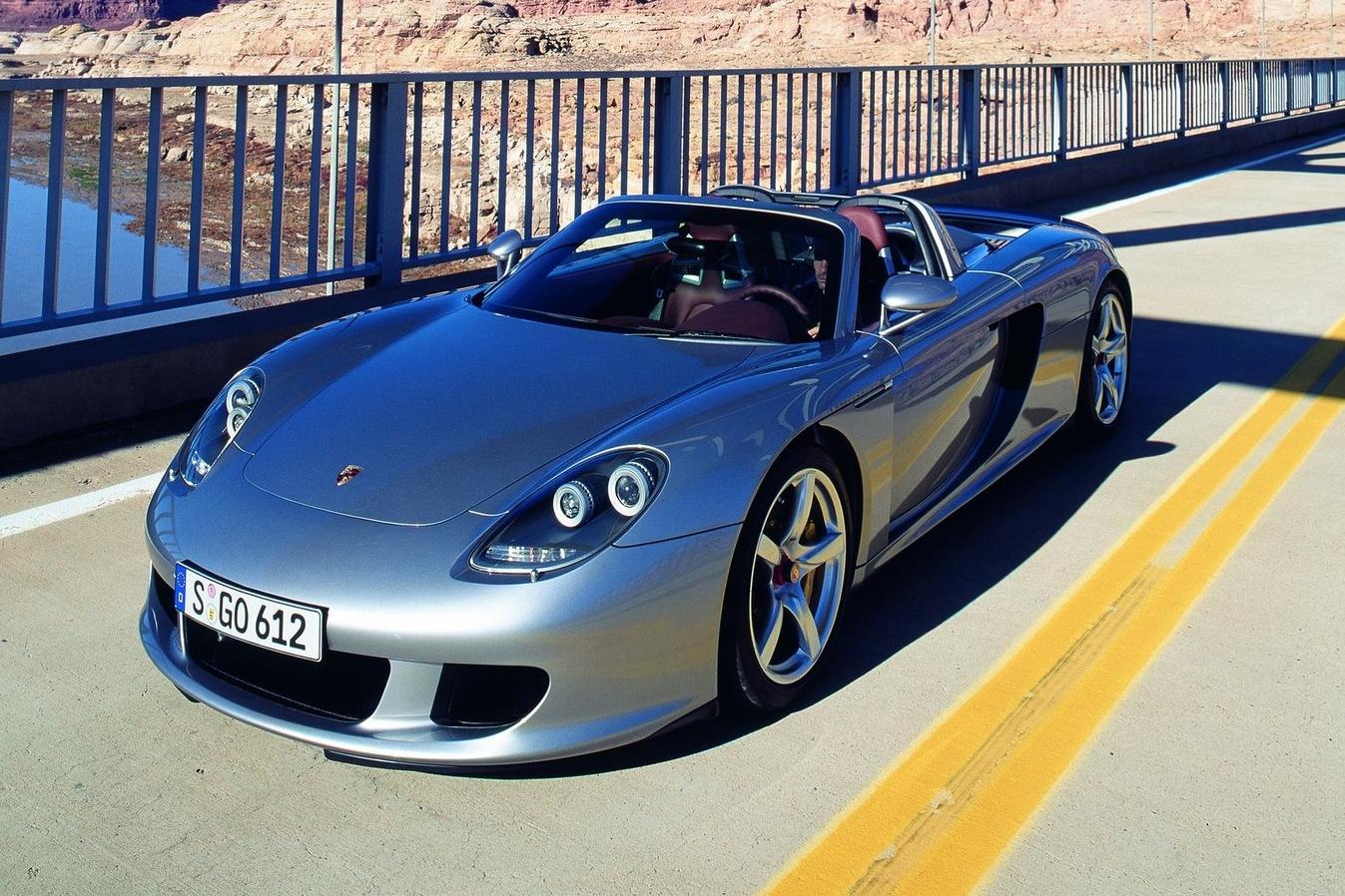 Porsche Carrera GT envolvido no acidente que matou o ator Paul Walker pode  chegar a 330 km h - Fotos - R7 Carros cdf72fbcb0