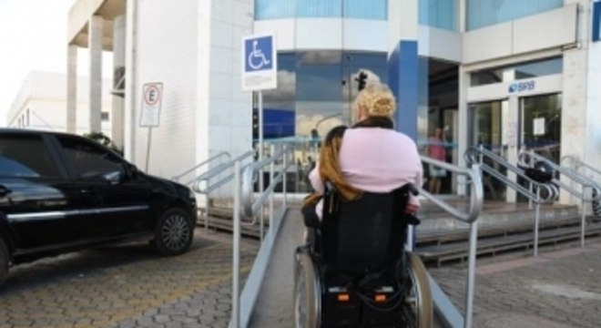 No Brasil, há 821 mil índios, 14 milhões de negros, 82 milhões de pardos e 45 milhões de pessoas com deficiência