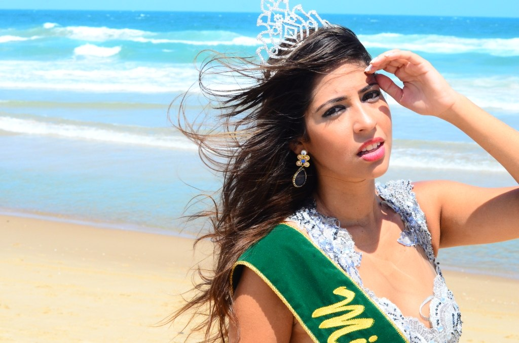 Conheça Isabel Maia, eleita a surda mais bonita do Brasil