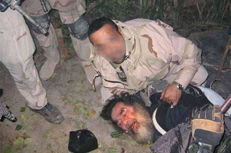 Há dez anos, soldado americano retirava Saddam Hussein do buraco onde estava escondido