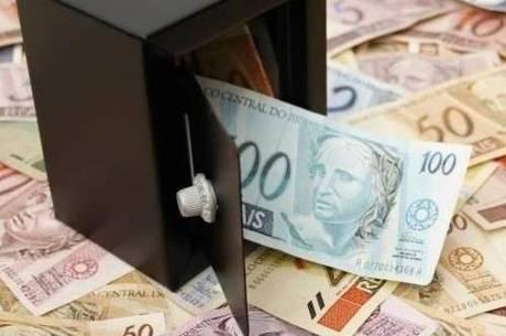 Inicialmente, governo propôs mínimo de R$ 1.002