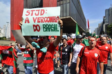 Revolta nas hostes paulistas. / Fonte: esportes.r7.com