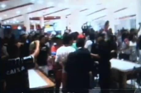 Evento marcado pela internet acaba em tumulto em shopping de Guarulhos