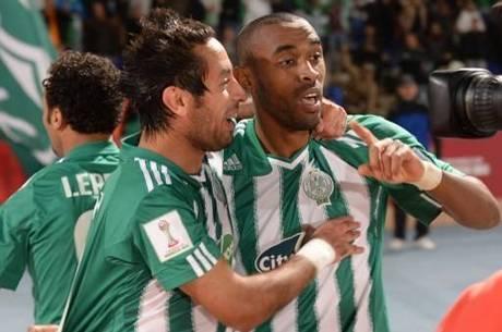 Jogadores do Raja Casablanca comemoram ida à final do Mundial