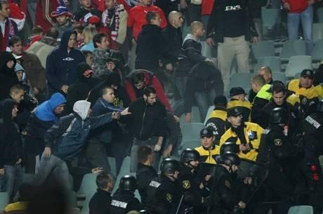 Torcedores europeus se desentendem nas Eliminatórias da Copa