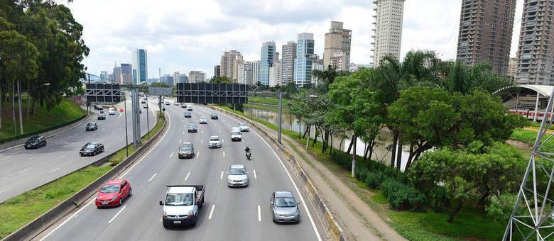 Multa para motoristas que desrespeitam o rodízio é de R$ 130,16