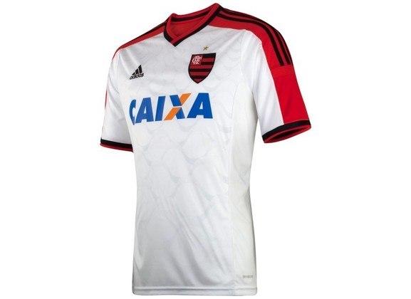 2014 - Com a faixa vermelha nas mangas e nos ombros, o uniforme passou a usar escudo inteiro do Flamengo.