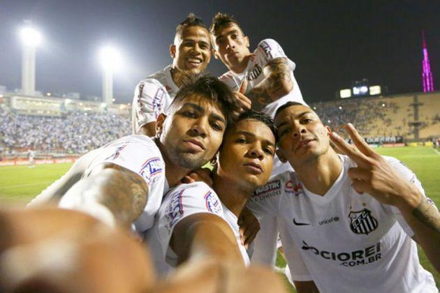 2014 - Santos 5 x 0 Botafogo - Mais uma goleada por 5 a 0 contra o Botafogo. Desta vez, pela Copa do Brasil de 2015, no Pacaembu. Os gols foram feitos por David Braz (2), Gabigol, Lucas Lima e Geuvânio.