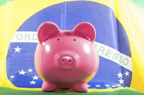 Segundo a pesquisa, 54% dos entrevistados não conseguem poupar dinheiro