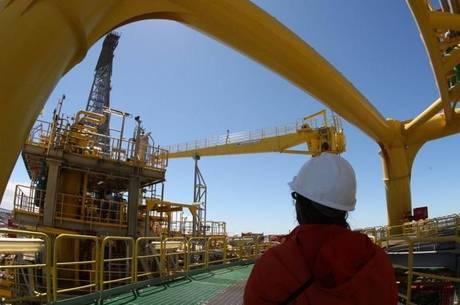 As importações brasileiras de petróleo provavelmente bateram recordes no ano passado