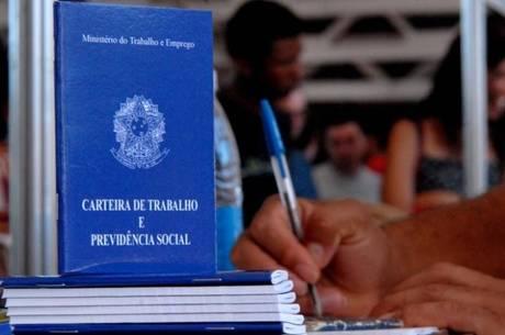 Brasil já criou 790 mil vagas formais no ano