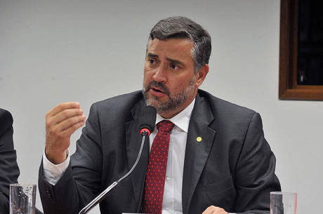 Paulo Pimenta fala sobre tiros a A?nibus de caravana