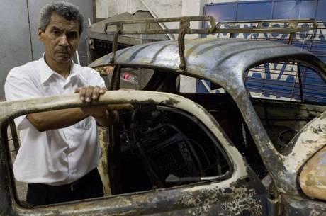 Itamar dos Santos voltava da igreja quando teve o carro incendiado