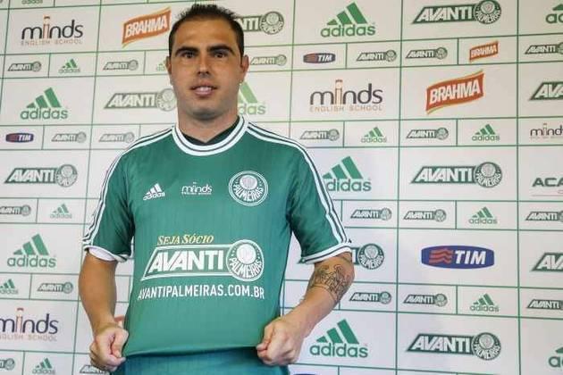 Principal contratação do centenário do Palmeiras, em 2014, Bruno César não correspondeu às expectativas. Foram apenas dois gols em 20 jogos, além de problemas com o peso