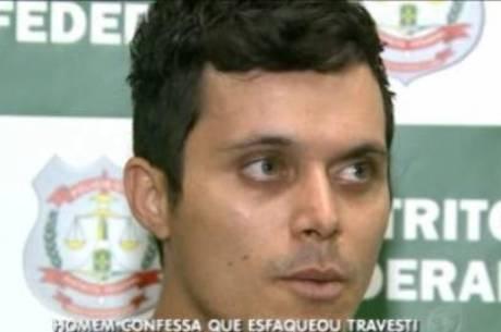 Segundo a polícia, Rander  Soares usou crack antes de começar a golpear a vítima com um canivete
