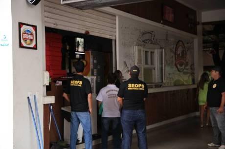 Agentes estão autorizados a fechar bares, multar e apreender carros de som ligados nas ruas