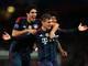 """Já na última quarta-feira (19), o defensor do título, Bayern de Munique, bateu o Arsenal por 2 a 0, em pleno Emirates Stadium. Jogando com um a mais, o time bávaro venceu com gols de Toni Kroos (foto) e Thomas Müller. Özil e Alaba ainda desperdiçaram um pênalti cada um.<br><br><a href=""""http://esportes.r7.com/futebol/com-um-a-mais-bayern-de-munique-domina-arsenal-e-abre-vantagem-em-londres-19022014"""">Leia o relato da partida</a>"""