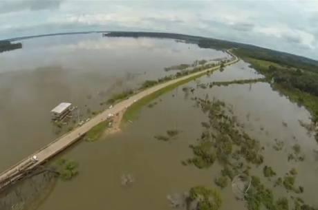 Vista aérea do Acre; Estado está praticamente isolado