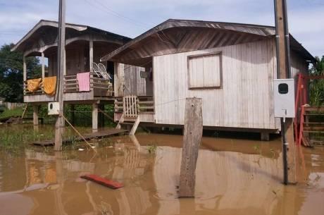 Em Boca do Acre, a situação é mais crítica. Cidade recebe ajuda da Defesa Civil do Estado