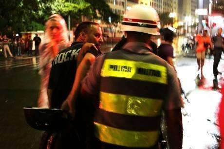 Entre as 262 pessoas detidas no último protesto, no sábado (22), estavam seis jornalistas