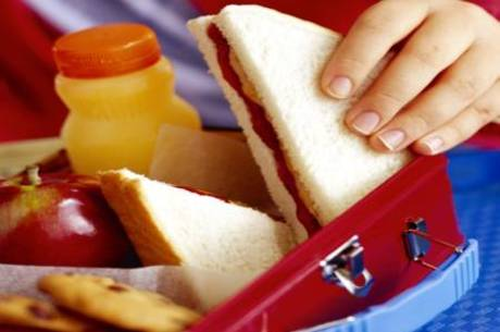 Pão branco não é a melhor opção para o lanche das crianças