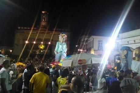 Trajeto começou na Antônio Dias, às 20h
