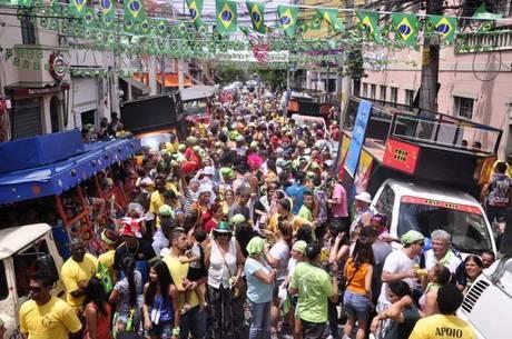Ruas do Bixiga, no centro de São Paulo, foram lotadas por foliões