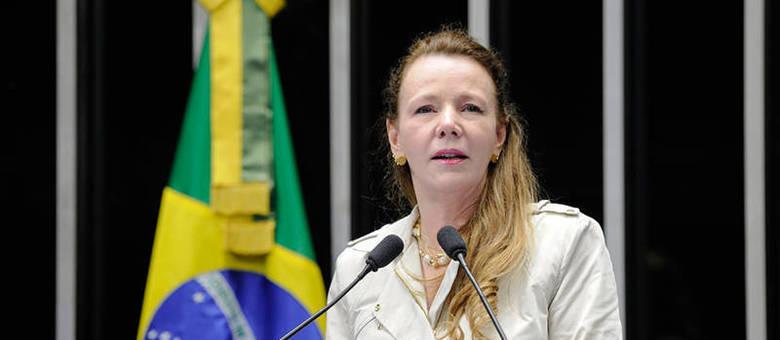 Ex-senadora Vanessa Grazziotin (PCdoB) que foi agredida durante voo