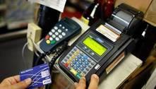 Juros do cartão de crédito sobem e alcançam 378,76% ao ano em novembro