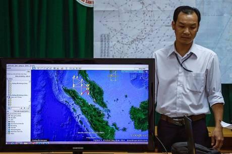 Paradeiro do avião da Malaysia Airlines continua um mistério. Acima, mapa de onde as buscas estão sendo realizadas