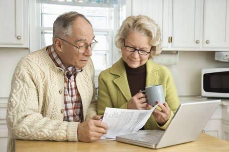 Um segurado com 60 anos de idade e 35 de contribuição deverá contribuir por mais 94 dias para manter o valor