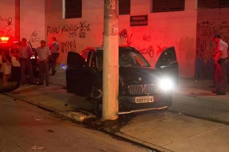 Durante a fuga, os criminosos trocaram tiros com a polícia e foram baleados
