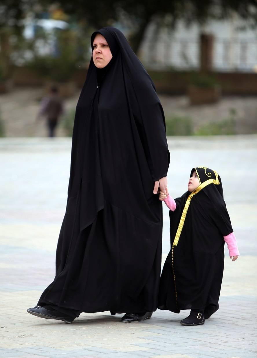 Projeto de lei que pode legalizar casamento aos 9 anos provoca polêmica no Iraque