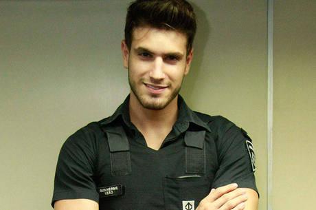 Guilherme Leão, o segurança gato do metrô