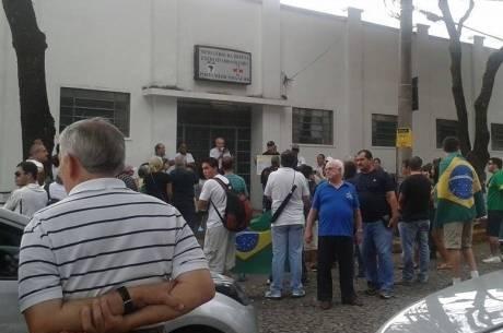 Homens chegaram a pedir apoio da PM para desviar o trânsito; golpe apoiado por eles torturou 10 mil brasileiros