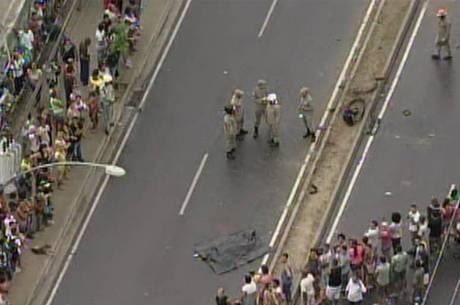 Duas crianças morreram no local do acidente; outra, no hospital