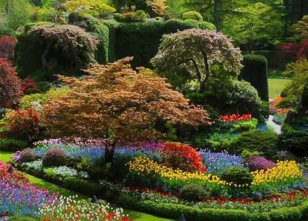 Com flores coloridíssimas, oButchart Gardens torna-se passeio imperdível durante sua visita a Brentwood Bay, Colúmbia Britânica, no Canadá,- butchartgardens.com