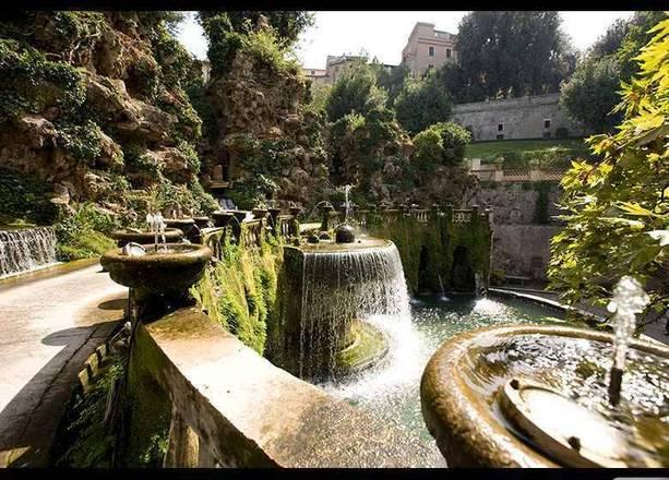Na Itália, as paisagens maravilhosas chegam a ser covardia. O Jardim Villa d'Este, Itália vai te deixar de boca aberta, veja mais a seguir