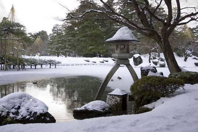 No jardim kenroku-en, no Japão, você vai var como a fama de organizados e caprichosos dos japoneses realmente tem razão de existir