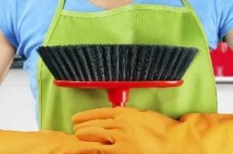 Em 2014, 13,7% das mulheres ocupadas na região metropolitana da capital paulista trabalhavam como empregadas domésticas
