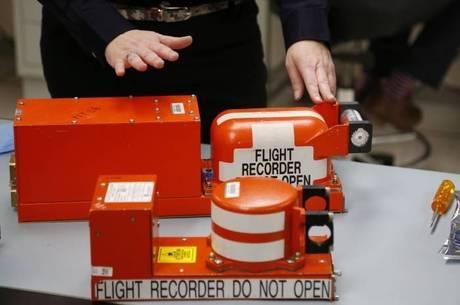 Localização das caixa-pretas é fundamental para se desvendar mistério do avião desaparecido, afirma especialista