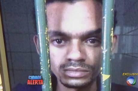 Suspeito nega assassinato, mas continua preso