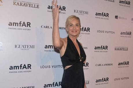 Sharon Stone na festa da amfAR na sexta (4)