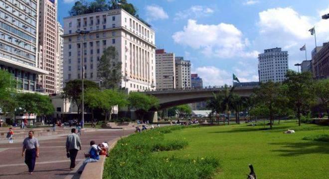 Prefeitura promete cafés, floriculturas  e mais áreas verdes no Vale do Anhangabaú