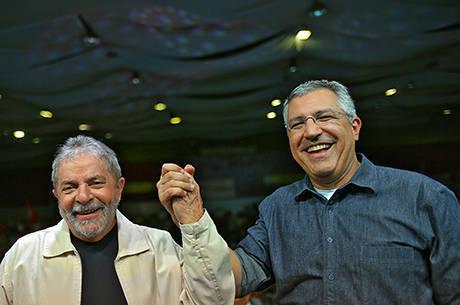 Pela 3ª vez, Lula estará ao lado de Padilha em caravana pelo interior